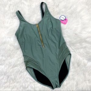 NWT GabiFresh Swimsuits for All Baroness Swimsuit